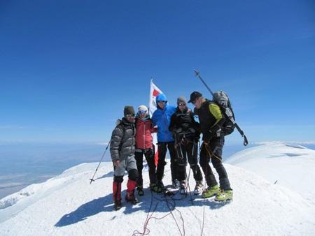 Hiking Moun Ararat